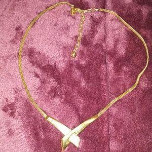 luminess Jewelry - EUC luminess crystal gold necklace